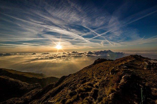 Gunung Guntur, Jalur Pendakian Berat Yang Menantang